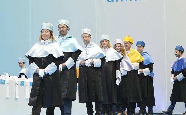 Graduación de la UNIR (I)