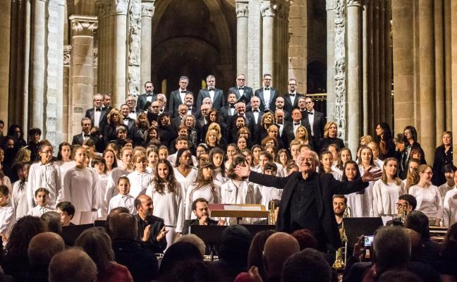 Rutter y el Coro Sinfónico de La Rioja ponen en pie a Santo Domingo