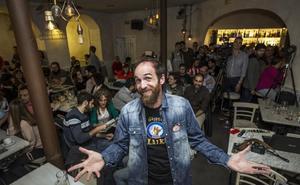 «Se puede disfrutar de la ciencia tomando una cerveza en un bar»