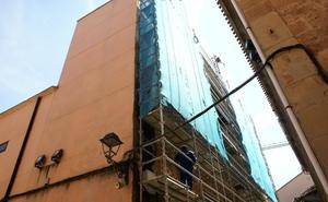 Comienzan las obras de saneamiento de la caja escénica del cine Doga