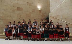 21 niñas y 15 niños por San Bernabé