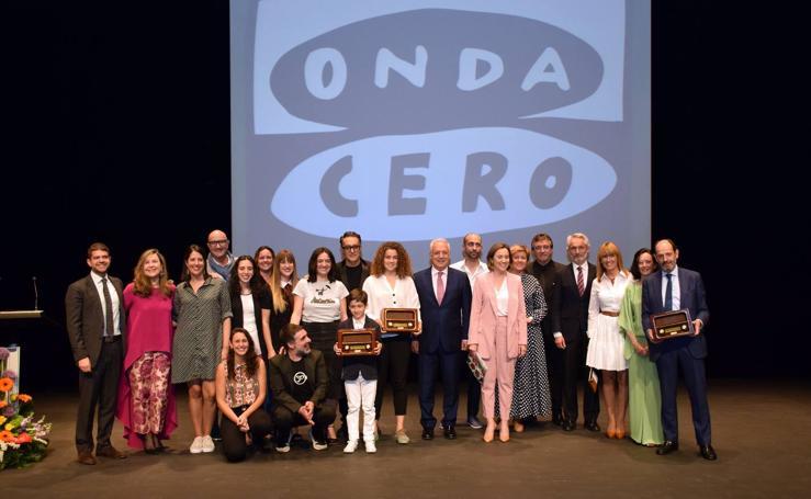 Onda Cero entregó ayer sus galardones a la asociación Aborigen, a la futbolista Ana Tejada y a Diario LA RIOJA