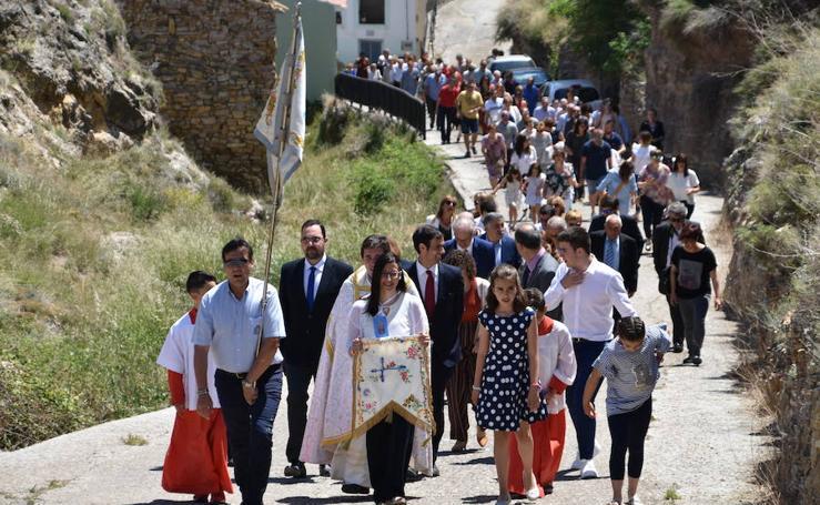 María Muñoz colocó la bandera en la basílica de la Virgen del Monte