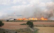 El incendio en un secadero de orujo de oliva de Viana ya está controlado