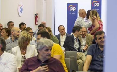 Sanz pide a Ceniceros que otra dirección lidere el PP