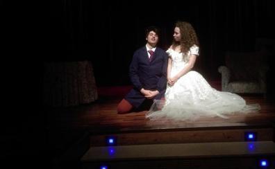'Clavijo Jardiel' y 'Los Pros de la Dinámica Teatral', ganadores riojanos de los premios Teatro Joven de Coca-Cola