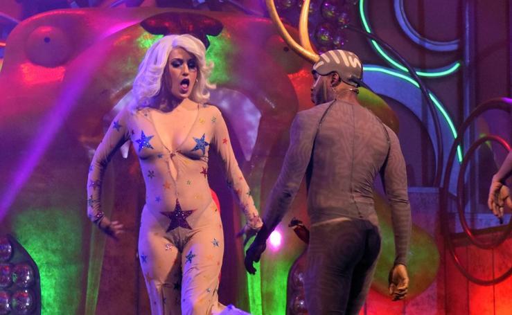 The Hole Zero mezcla el circo, cabaret, música y humor