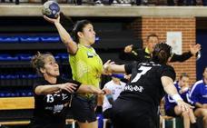 El Sporting renueva a la brasileña Danielle