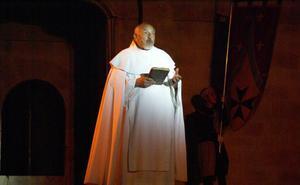 Fallece Santiago Viniegra Royo, el najerino que interpretaba al monje narrador del 'Reino de Nájera'