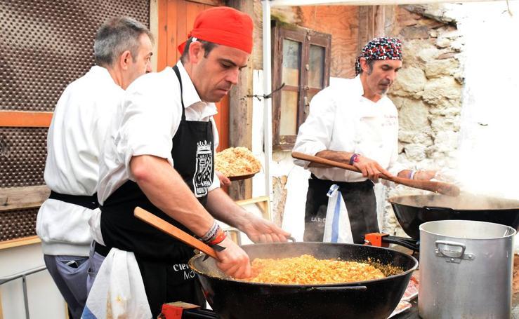 Degustación de migas en la calle Carnicerías