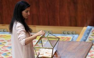 Vox anuncia un acuerdo con el PP para entrar en el Gobierno de Madrid