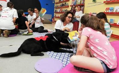 Perros para fomentar la lectura entre los niños
