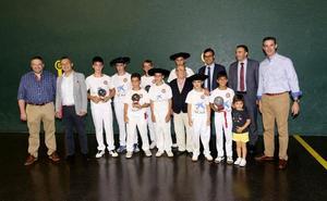 Los torneos La Caixa y Mesón Cid llevan a la cancha a 250 pelotaris