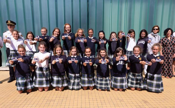 La Policía entrega el carné de Ciberexpert@ a veintidós alumnas de Alcaste