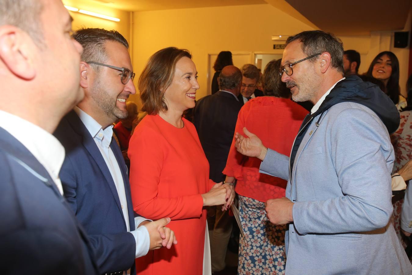 Hermoso de Mendoza, nuevo alcalde de Logroño: el ambiente (2 de 3)