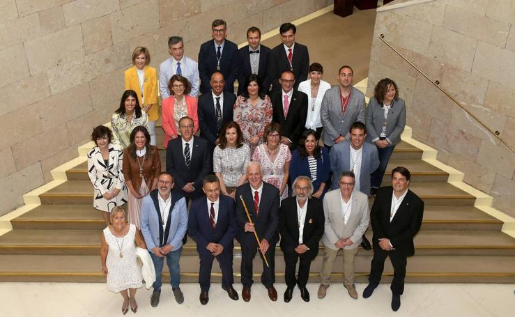 Hermoso de Mendoza, nuevo alcalde de Logroño: el acto (1 de 3)