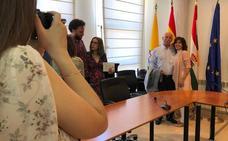 Martínez ofrece diálogo a todos los grupos en su segundo mandato