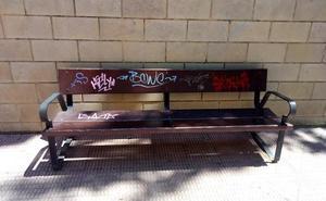 La Guindilla: un banco «para firmar y no para sentarse»