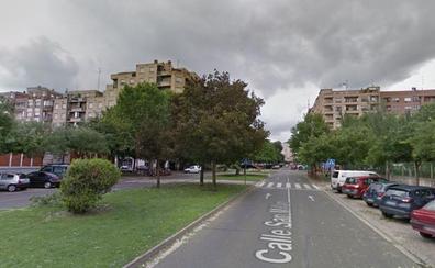 Herido un ciclista al colisionar con un coche en la calle San Millán