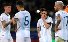 Argentina sobrevive y empata con Paraguay gracias a Messi