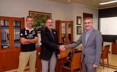 Antoñanzas confirma su compromiso con la UR en materia de deporte