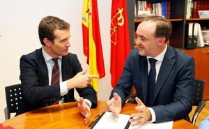 Casado insta a Sánchez a evitar que los «herederos» de ETA decidan en Navarra