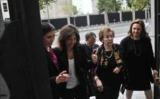 Las hermanas Álvarez, «herederas universales» del exjefe de El Corte Inglés