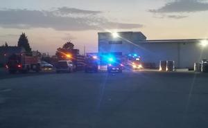 Una máquina causa un leve incendio en una fábrica de Alfaro