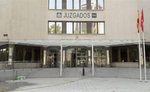 Denuncia a su nieta por 'okupar' su casa en Madrid mientras él visitaba a su mujer