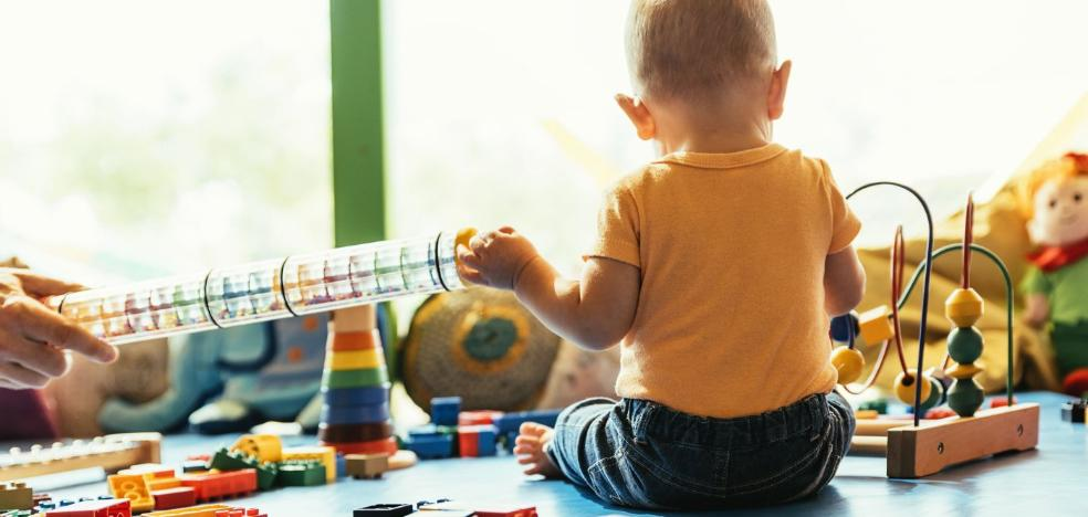 El bono infantil de guardería sufragará entre 260 y 350 euros al mes por niño