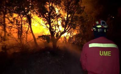El fuego provoca el mayor operativo simultáneo de la UME en su historia