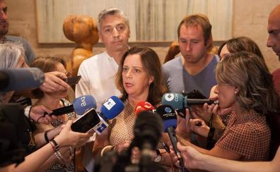 PSOE e IU sellan un pacto de gobierno insuficiente sin Podemos