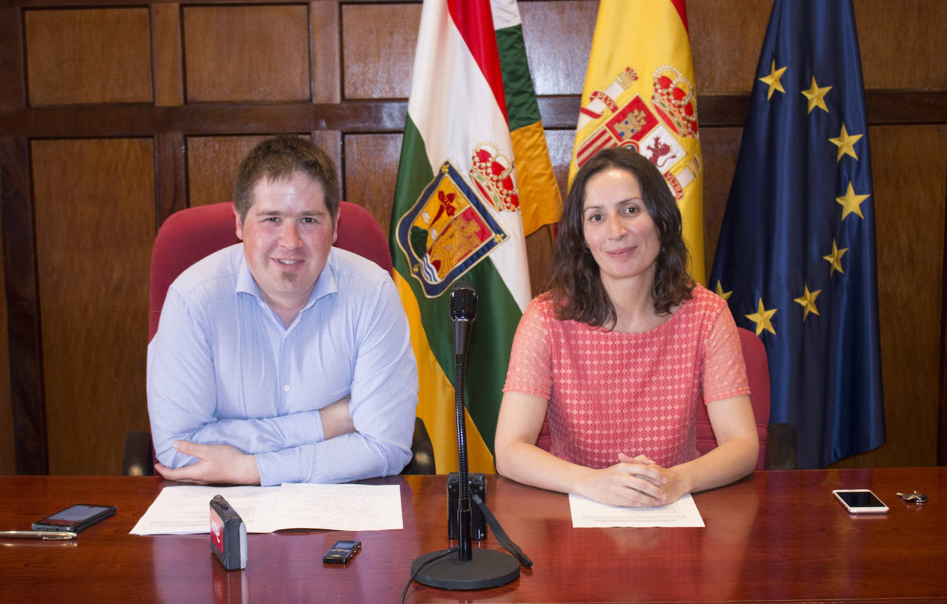 Javier Ruiz cobrará 2.700 euros brutos al mes por su dedicación exclusiva como alcalde de Santo Domingo