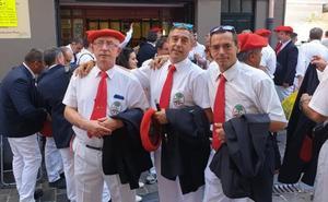 Gaiteros riojanos participaron en el chupinazo, el 'seismo' festivo de San Fermín