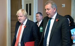 El embajador británico en EE UU dimite tras la polémica con Trump