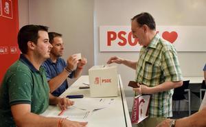 La militancia del PSOE vota el acuerdo de Gobierno con IU