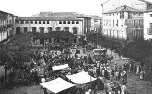Mercado en la plaza de Quintiliano