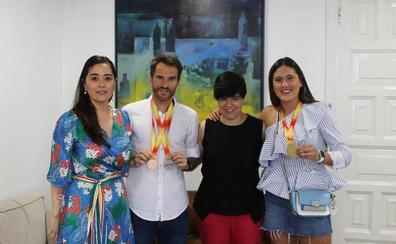 Recibimiento institucional a los atletas calagurritanos Claudia Lapuerta y Javier Bazo