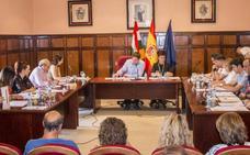 La oposición hizo valer en el pleno su mayoría y cambió al PSOE e IU todos los planes