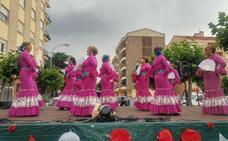 Las sevillanas animaron ayer Santo Domingo