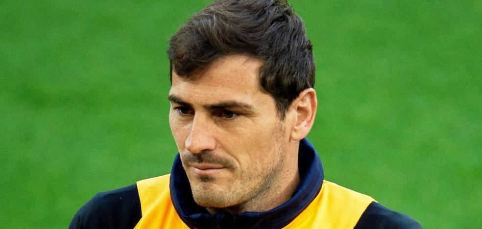 Iker Casillas cambia la portería por los despachos del Oporto