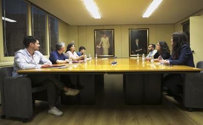 Sin acuerdo: PSOE y Podemos se emplazan a otra reunión este jueves