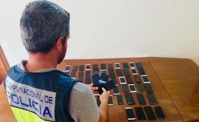 Desarticulada una banda dedicada al robo de móviles en Benidorm