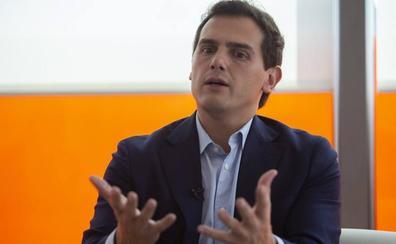 Ciudadanos amplía su ejecutiva para reforzar a Rivera y diluir a los críticos