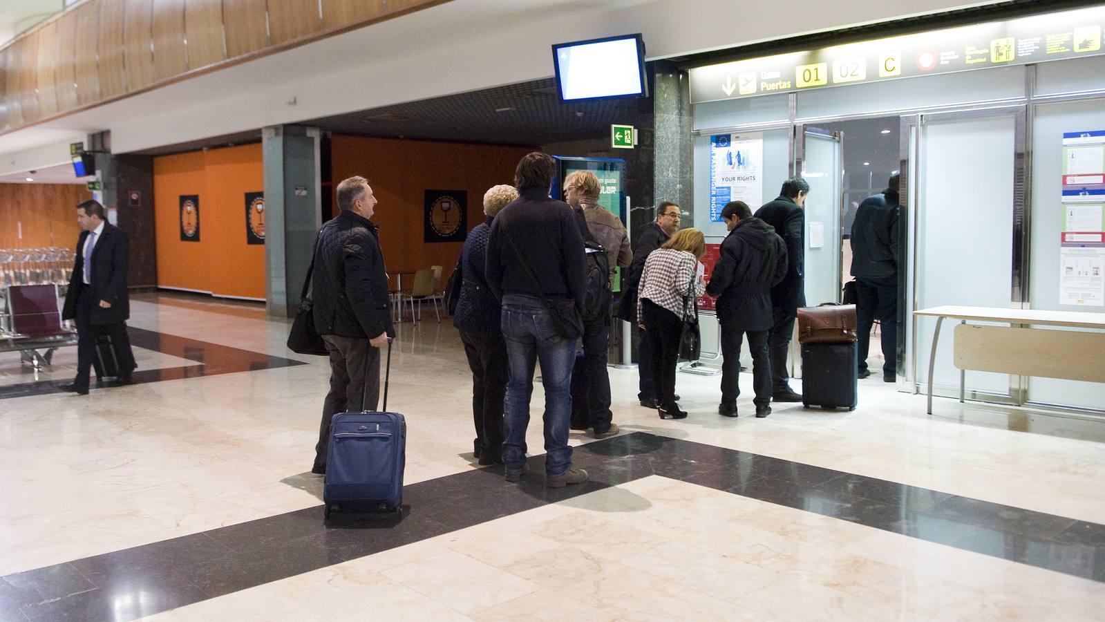 El Ejecutivo avanza el trámite para declarar rutas áreas Madrid y Barcelona