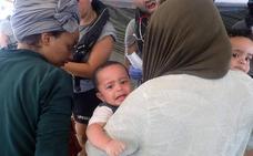 El Open Arms busca un puerto seguro tras rescatar a 124 migrantes en el mar