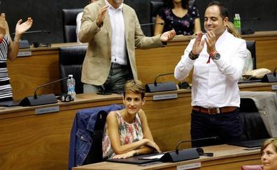La socialista María Chivite, nueva presidenta de Navarra gracias a la abstención de Bildu