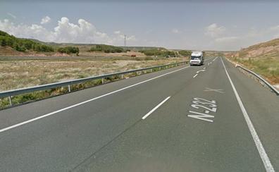 Dos heridos en una colisión entre un turismo y un camión en Agoncillo
