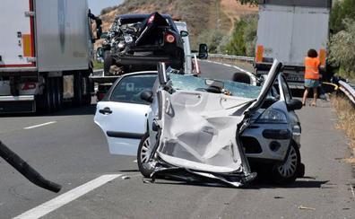 Cinco heridos en una colisión múltiple tras la retención por un choque previo en la AP-68 entre Alcanadre y Galilea