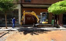 El Ayuntamiento cambiará 60 metros de tuberías de la acera sur de la calle Vitoria